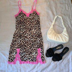 Betsey Johnson leopard slip!